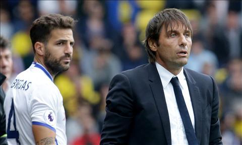 Leicester vs Chelsea Conte hay trao co hoi cho Fabregas hinh anh