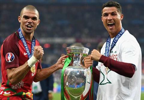 Ronaldo muon Pepe dap tra su tu dac cua Griezmann hinh anh