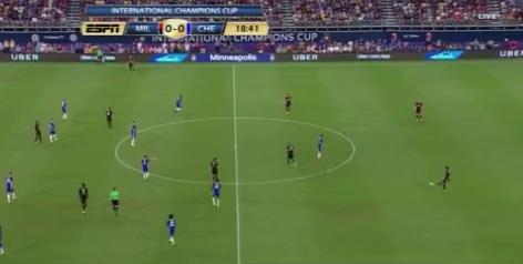 Gianluigi Donnarumma Niem tin cua Rossoneri va Azzurri hinh anh 3