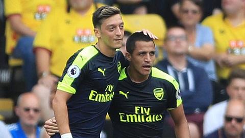Watford 1-3 Arsenal Su tro lai cua Alexis Sanchez hinh anh 2