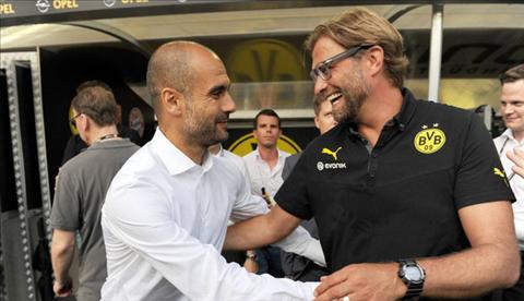 Klopp dan mat Guardiola ve dua tranh tai Premier League hinh anh