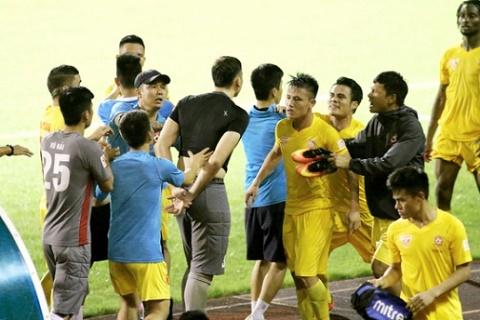 Hai Phong vs Quang Nam (17h ngay 49) Dung la hieu ung Domino hinh anh