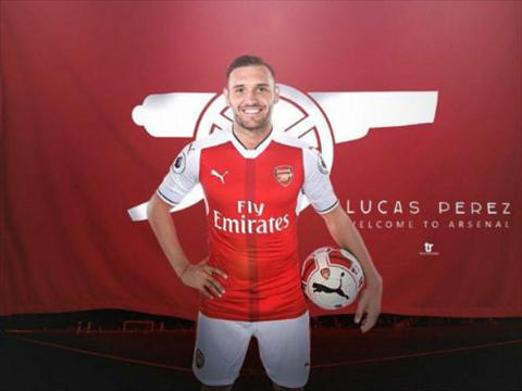 Tan binh Lucas Perez tung tu choi chinh Arsenal hinh anh