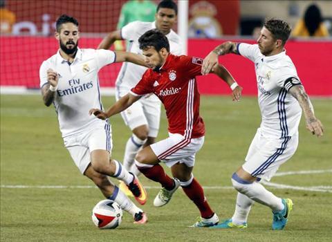 Isco (trai) khong con cho dung o Real Madrid
