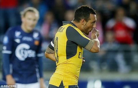Arsenal can giu chan tien ve Santi Cazorla hinh anh 2
