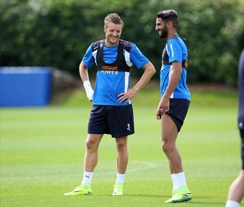 Ty phu Thai Lan tang xe cho cac cau thu Leicester City hinh anh