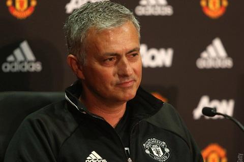 Mourinho hai long voi cong tac chuyen nhuong MU  hinh anh 2