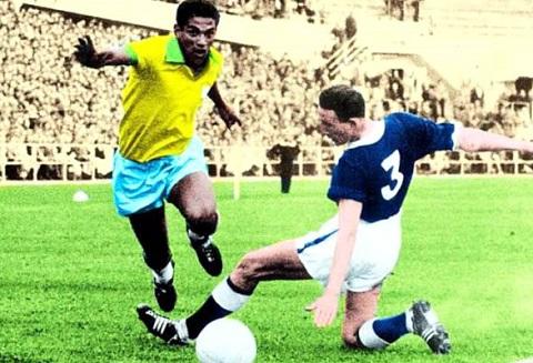 The gioi nho Pele, nguoi Brazil nho Garrincha hinh anh 2