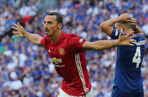 HLV Bournemouth nan gan Ibrahimovic truoc khi doi dau hinh anh