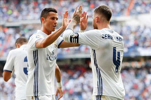 Ronaldo xac nhan muon giai nghe trong mau ao Real hinh anh