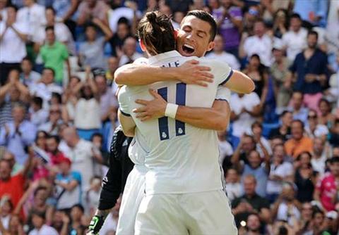Ronaldo som dua niem vui tro lai cho nguoi xem. Anh: Reuters