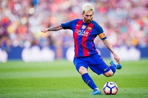 Huyen thoai MU khuyen Pogba dung hoc tap Messi hinh anh 2