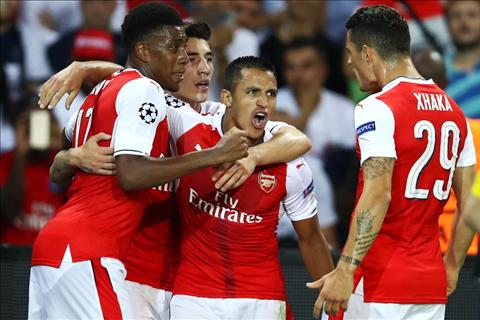 PSG 1-1 Arsenal Wenger da sai va sua sai nhu the… hinh anh 4