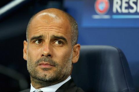 Guardiola de nghi cac co dong vien Man City ngung la o.