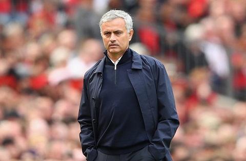 HLV Mourinho MU khong muon da Europa League hinh anh