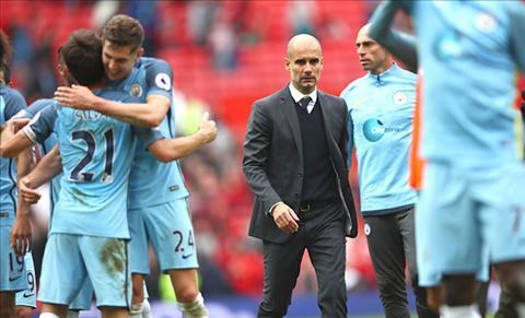 HLV Pep Guardiola thang hoa cung Man City nho chieu sau doi hinh hinh anh