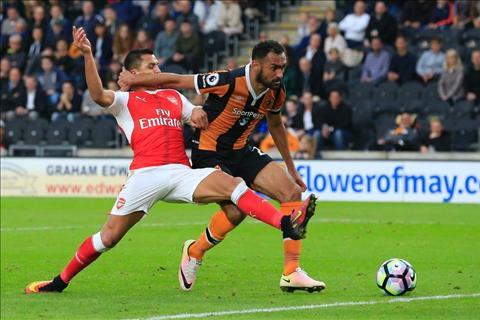 Tien dao Theo Walcott can moc 100 ban cho Arsenal hinh anh