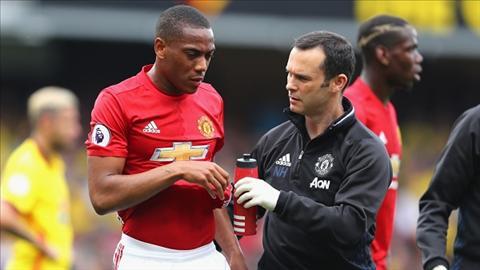 Mourinho thua nhan mu tit ve tinh trang cua Martial hinh anh