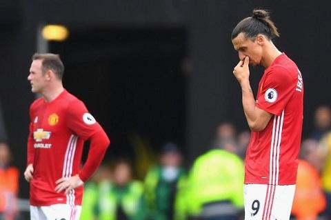 Muon tot cho MU, Mourinho phai loai Rooney hoac Ibra hinh anh