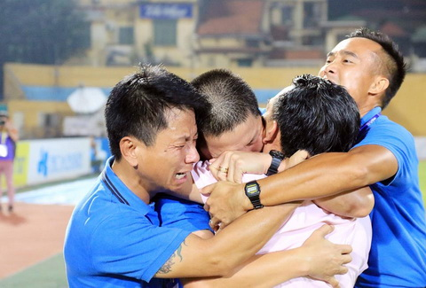 HNT&T vo dich V-League 2016 Ky tich, ky di va… ky thi hinh anh