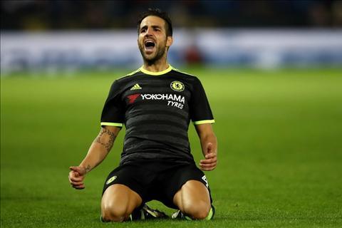 Fabregas noi gi sau khi toa sang tro lai trong mau ao Chelsea hinh anh