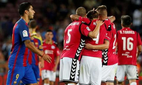 Nhan dinh Valencia vs Alaves 03h00 ngay 2309 (La Liga 201617) hinh anh