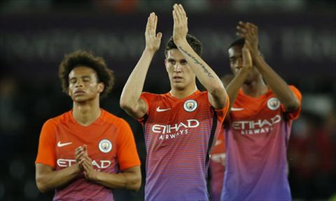 Nguoi Man City tiet lo HLV Guardiola dang kho o hinh anh