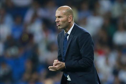 Zidane len tieng ve phong do bat on cua Ronaldo hinh anh 2