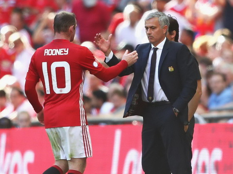 Mourinho goi Rooney la ga beo.