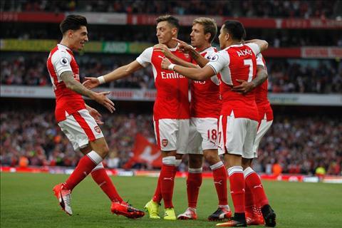 Ozil noi gi sau tran Arsenal 3-0 Chelsea hinh anh