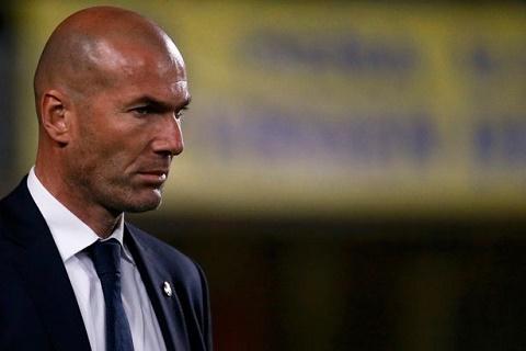 Real hoa 2 tran lien tiep Zidane dang that hua hinh anh