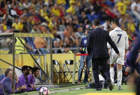 Tiet lo nhung dieu Ronaldo noi khi bi thay ra trong tuc toi hinh anh
