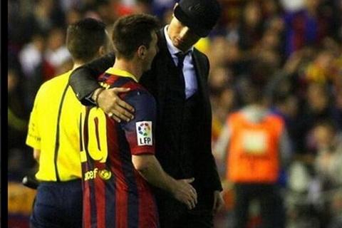 Mau thuan giua Cris Ronaldo va Messi deu bat nguon tu gioi truyen thong.