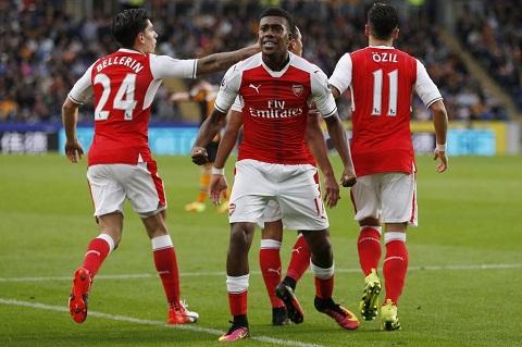 Alex Iwobi dang la mat xich quan trong cua Arsenal