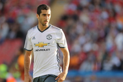 MU mat Valencia va Mkhitaryan o derby thanh Manchester hinh anh 2