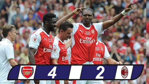 Tong hop Huyen thoai Arsenal 4-2 Huyen thoai Milan (Giao huu) hinh anh