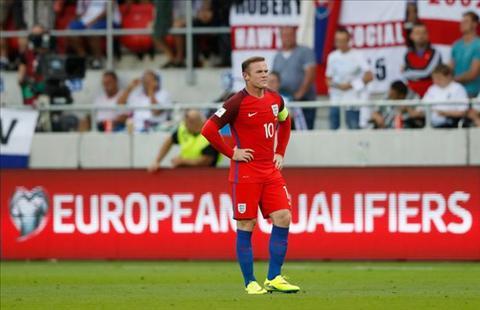 Rooney khong phu hop da vi tri tien ve trung tam
