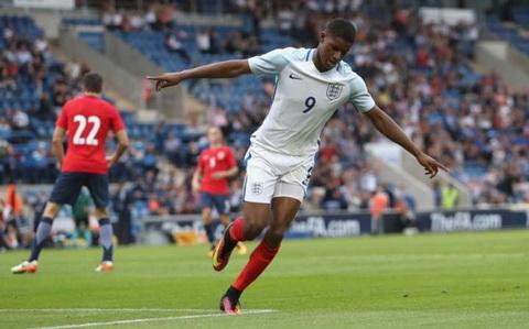 Rashford nhac kheo Mourinho sau cu hattrick cho U-21 Anh.