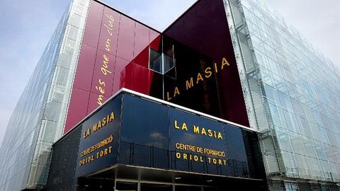 Bo sung 6 tan binh, Barcelona tiet lo ke hoach ve La Masia.
