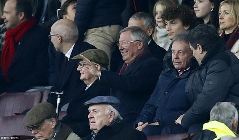 Mourinho va noi am anh Alex Ferguson Bien so hai thanh dong luc hinh anh