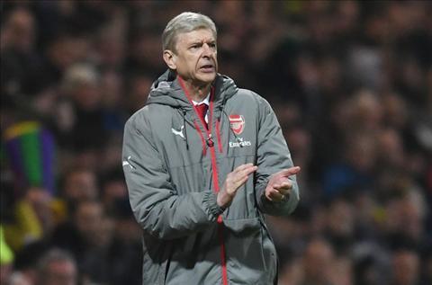 Goc Arsenal Khi Wenger song voi cung bom tan hut Belotti… hinh anh