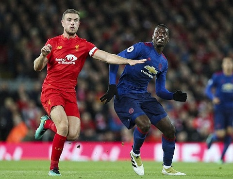Tien ve Paul Pogba danh gia cao tran gap Liverpool hinh anh 2