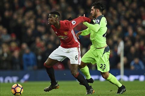 M.U 1-1 Liverpool Pogba tranh bong voi Can
