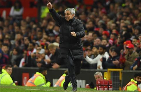 Sir Alex khen Mourinho biet nhap gia tuy tuc tai MU hinh anh