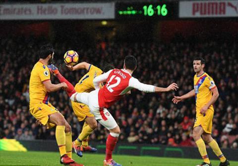 Nhung diem nhan sau tran Arsenal 2-0 Crystal Palace hinh anh