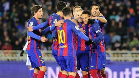 Barcelona gianh thang loi tren san cua Sociedad