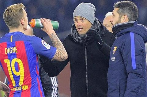 Enrique ca ngoi hang thu Barca sau khi giai loi nguyen Anoeta hinh anh