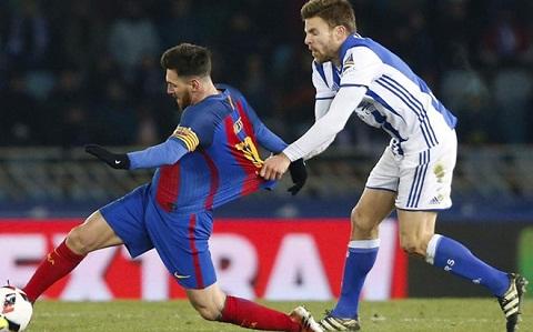 Tien ve Illarramendi Messi xung dang bi duoi khoi san hinh anh 2
