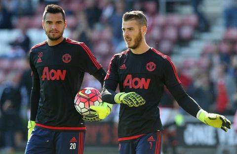 Mourinho len tieng ve tuong lai David de Gea va Romero hinh anh