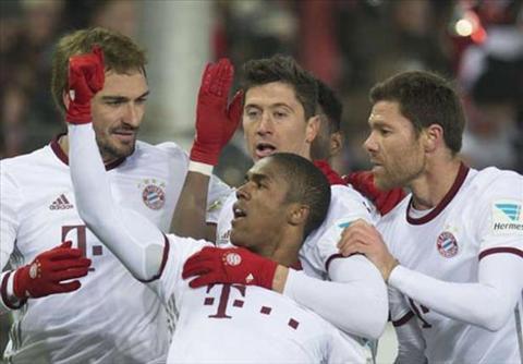 Tong hop: Freiburg 1-2 Bayern Munich (Vong 17 Bundesliga 2016/17)